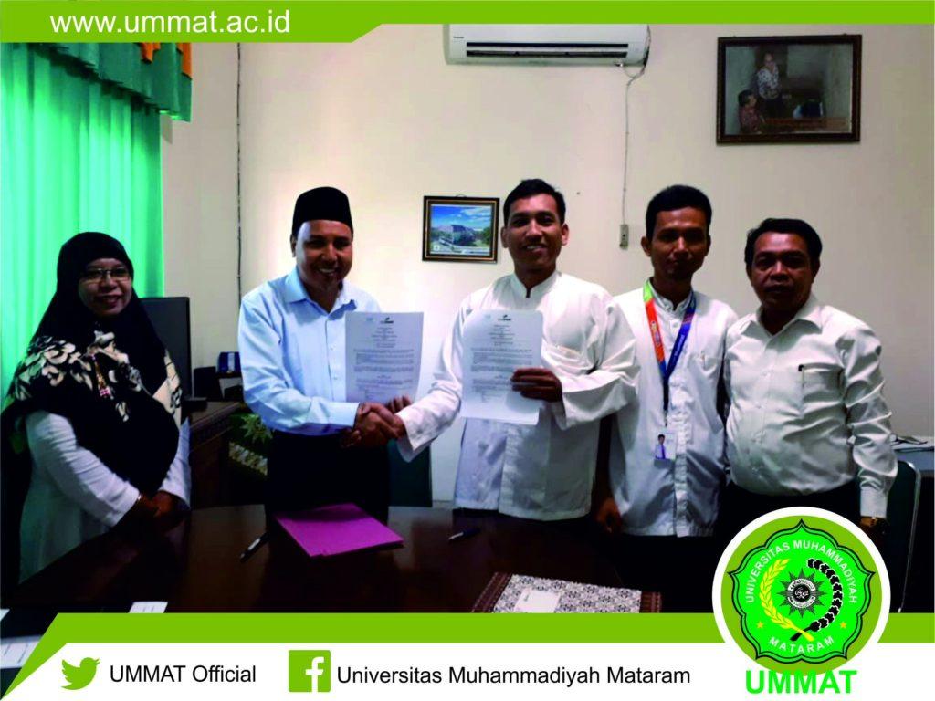Penandatanganan perjanjian kerjasama oleh Rektor UMMAT, Drs. H. Arsyad Abd. Gani, M.Pd dengan Maulana Romadani selaku Direktur Utama PT Inovasi Cipta Teknologi.